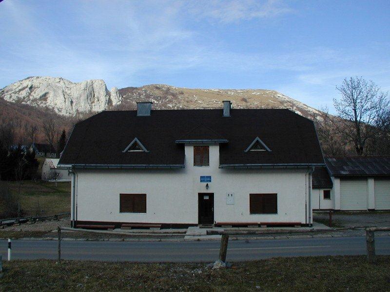 Planinarska kuća Vila Velebita prestala s radom